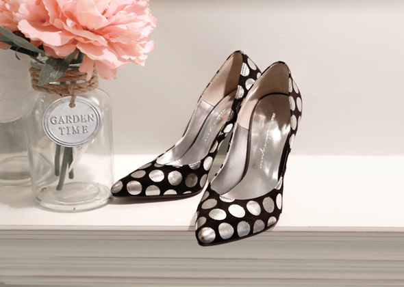 dot stilettos heel