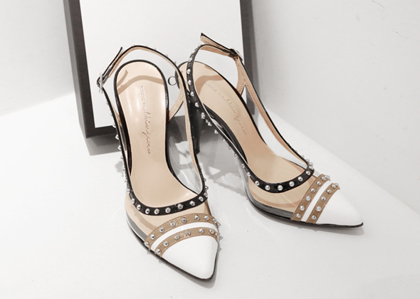 pointed stud heel