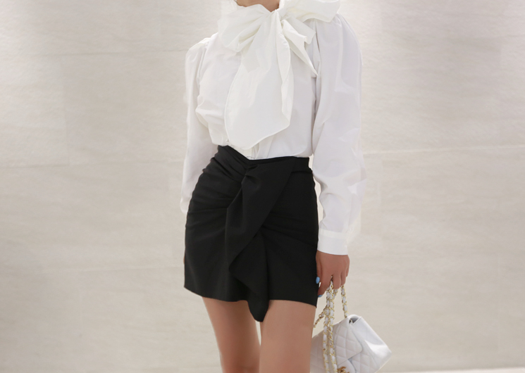 point ribbon blouse