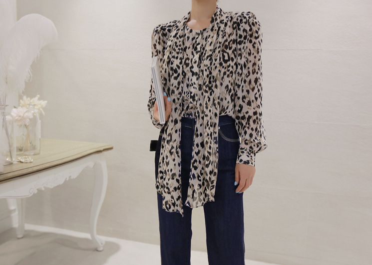 leopard point ribbon blouse
