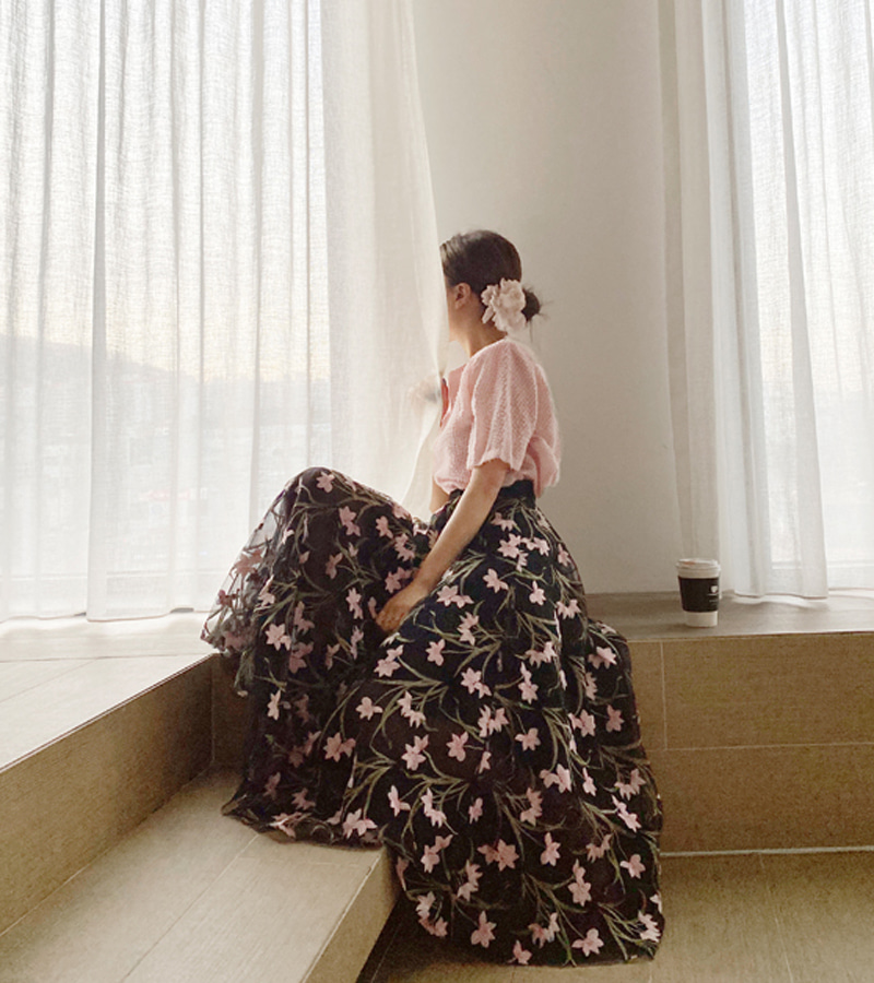 spring flower skirt (black)